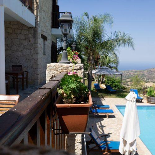 balcony-photo