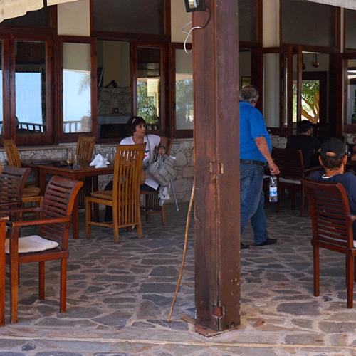 paradisos-hills_restaurant